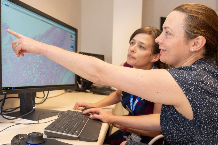 Philips and Oxford University Hospitals NHS Foundation Trust team up to deploy innovative digital pathology network